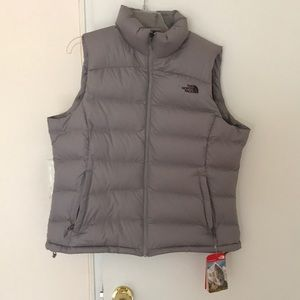 NWT North face vest, size XL
